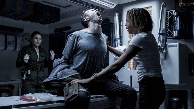 Da esquerda para a direita, Amy Seimetz, Benjamin Rigby e Carmen Ejogo, em 'Alien: Covenant'.