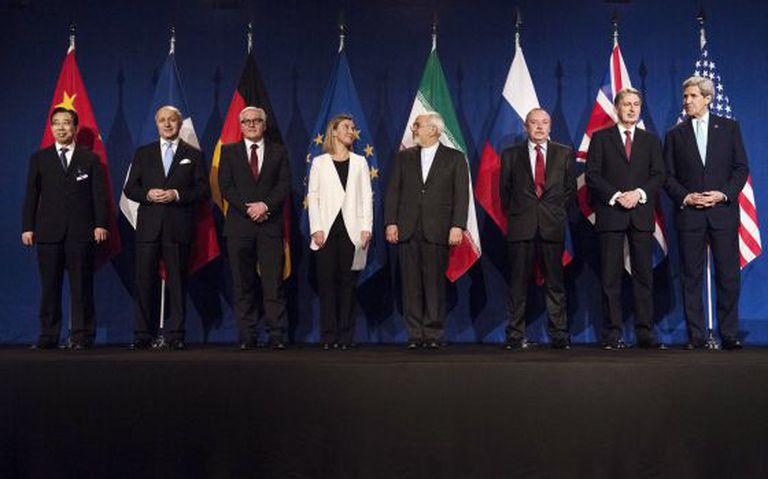 Representantes das seis potências, Irã e UE, ao anunciar o acordo.
