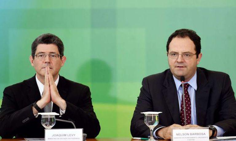 Joaquim Levy e Nelson Barbosa durante anúncio em Brasília,
