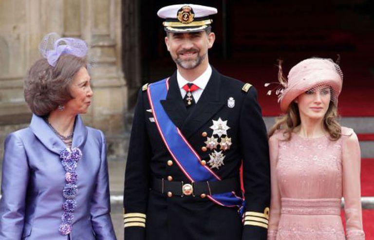 Um dos modelos mais aplaudidos de Varela foi o que Letizia usou no casamento dos Duques de Cambridge.