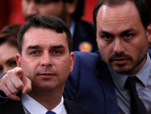 Flávio e Carlos Bolsonaro, filhos do presidente eleito.