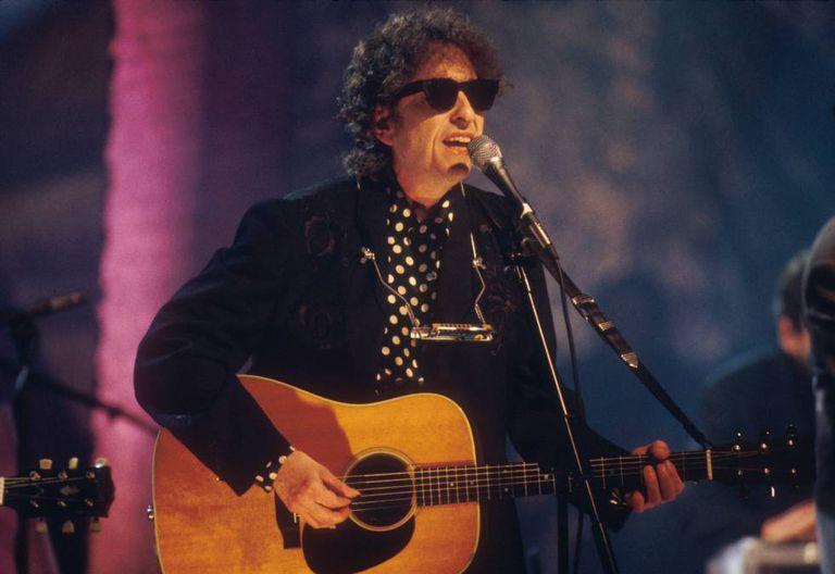 Bob Dylan, Nobel de Literatura de 2016, durante um show em 1994.