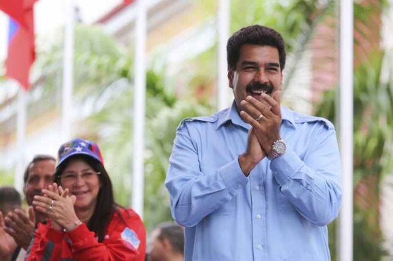 Nicolas Maduro e sua mulher, Cilia Flores, no domingo