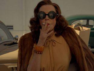 Susan Sarandon como Bette Davis em 'Feud'