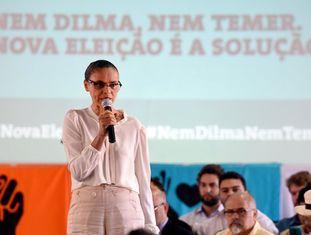Marina Silva discursa em evento da Rede em Brasília por novas eleições.