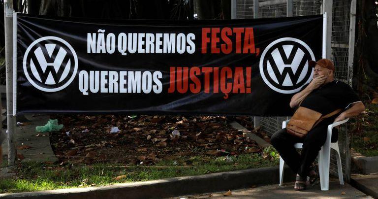 Protesto de trabalhadors na quinta-feira, quando o relatório foi divulgado.