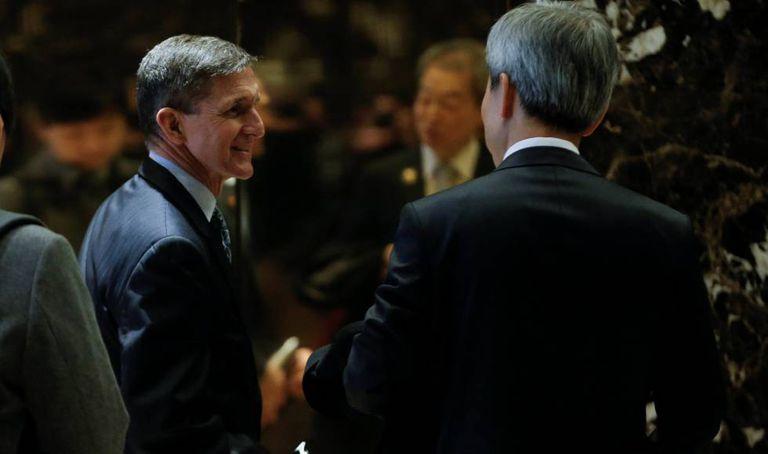 Flynn, à esquerda, na Trump Tower, em 4 de janeiro.