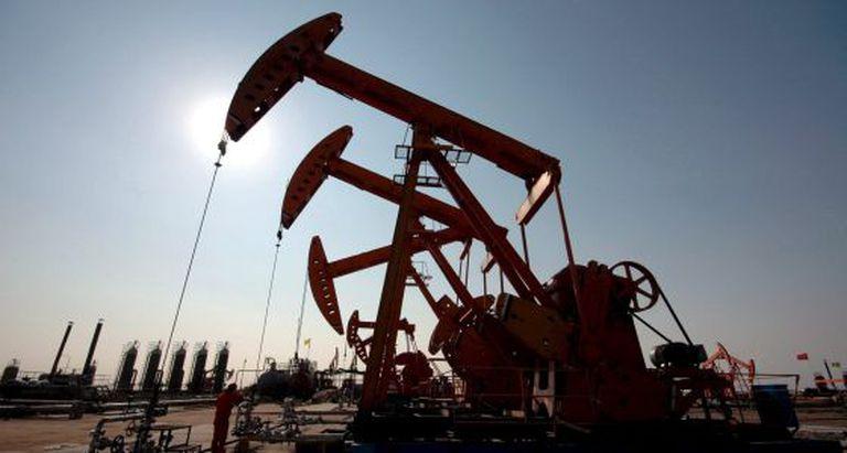 Imagem de poços de petróleo