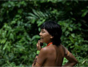 Yanomami em área da Amazônia.