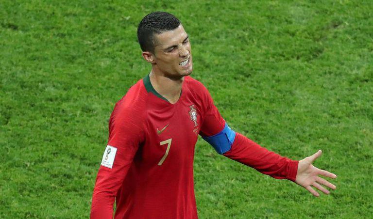 Cristiano Ronaldo marcou um hat-trick contra a Espanha.