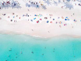 Vista aérea da praia tailandesa de Haad Rin.