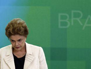 A presidenta Dilma, durante a cerimônia de posse dos novos ministros, entre eles o ex-presidente Lula, nesta quinta.