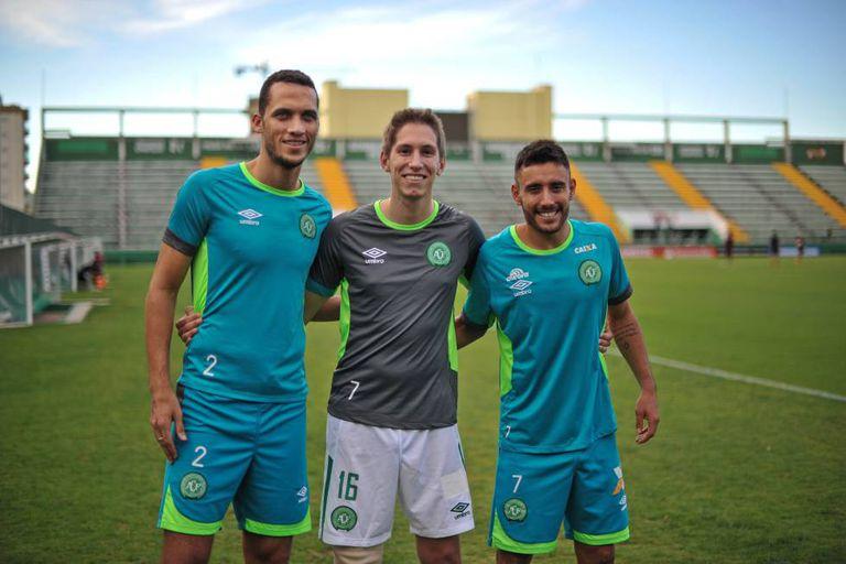 Os três sobreviventes da tragédia treinam na Arena Condá.