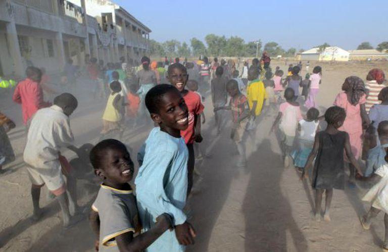 Crianças brincam em campo de refugiados no Estado nigeriano de Adamawa, em 15 de janeiro.