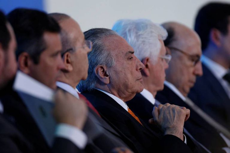 Michel Temer junto a ministros nesta semana em Brasília.