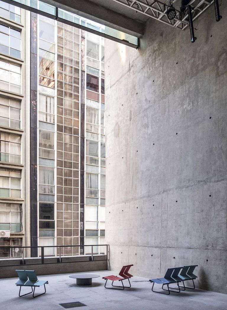 Um dos espaços do Sesc 24 de Maio, finalizado em 2017 em São Paulo e realizado pelo arquiteto brasileiro em colaboração com o estúdio MMBB.