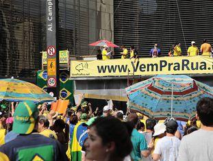 Carro do Vem Pra Rua, em ato pelo impeachment no ano passado.