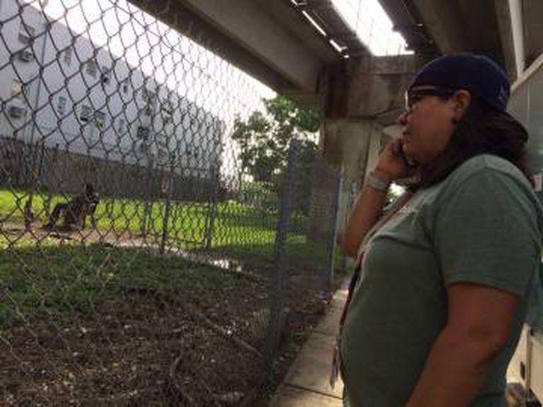 Emelina Martínez, coordenadora de uma ONG que cuida de viciados em Overtown (Miami).