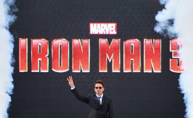 Filmes como Crimes de Um Detetive (2005) devolveram a Downey Jr. o elogio da crítica, mas foi a saga Homem de Ferro que o tornou imensamente rico e popular.