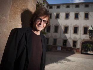 O professor Henry Giroux no pátio do Centro de Cultura Contemporânea de Barcelona