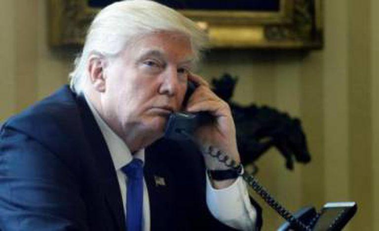Trump no Salão Oval.