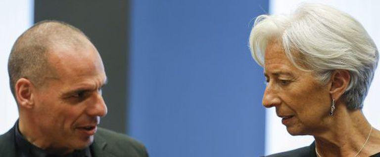 Varufakis e Lagarde durante a reunião do Eurogrupo em Luxemburgo em 18 de junho.