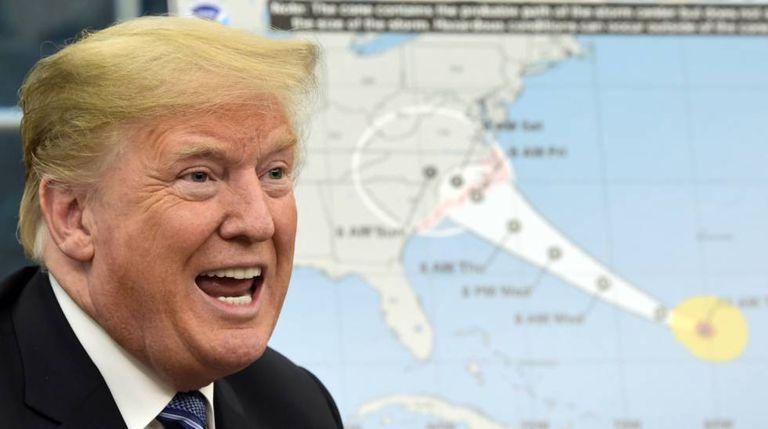 O presidente Donald Trump fala sobre o furacão Florence na Casa Branca.
