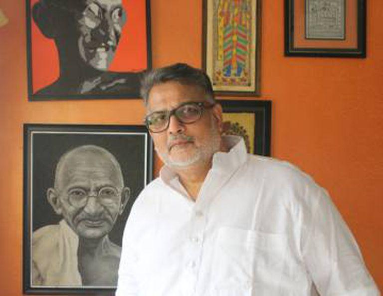 Tushar Gandhi, bisneto de Mahatma Gandhi, escreveu o livro 'Let's Kill Gandhi' (2007) para acabar com os rumores sobre a morte do líder.