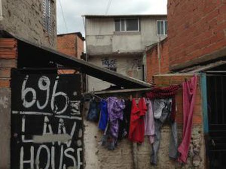 Uma Lan House na favela de Paraisópolis, em São Paulo.