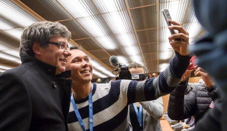 Carles Puigdemont durante uma visita a Suíça.