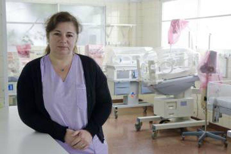 Margarita Araya na área de Neonatología do Fiorito, fechada.