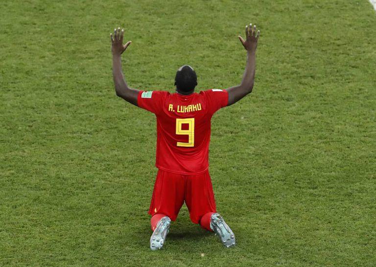 Lukaku comemora vitória da Bélgica sobre o Japão nas oitavas.