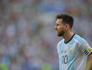 Messi, no último duelo da Argentina contra a Venezuela no Maracanã.
