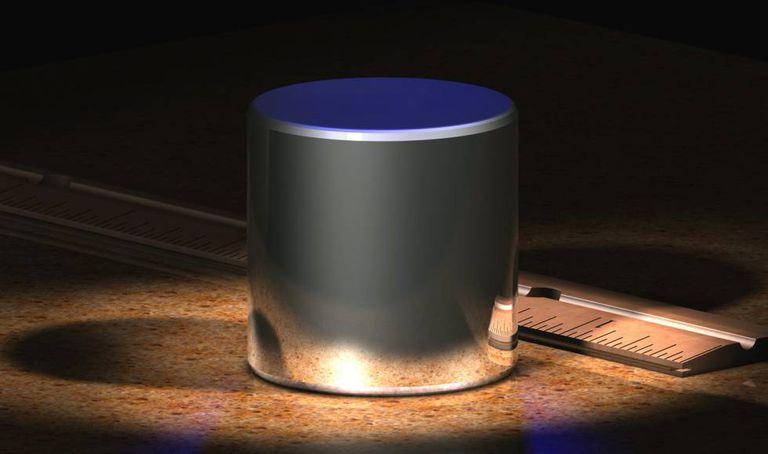 Ilustração do Protótipo Internacional do Quilograma fora de suas redomas protetoras.