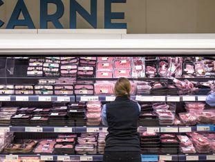 Alunos de Formação Profissional Dual no supermercado Aldi em Madri.
