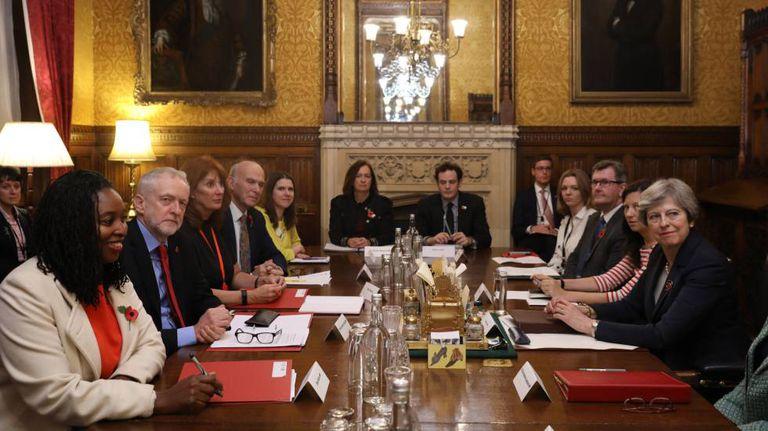 Líderes dos partidos britânicos se reúnem para discutir o escândalo de assédio sexual em Wesminster