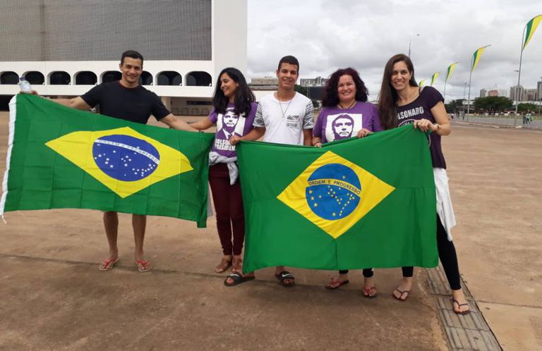Os amigos Renan Felipe, Márcia Penalber, Bruna Guimarães, Shirley Prata e Sandro Resque.