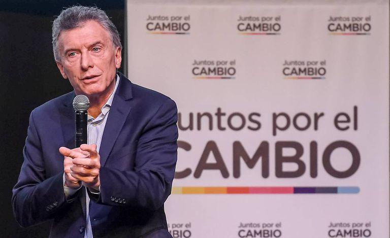 O presidente Mauricio Macri fala para 400 dirigentes de sua aliança, Juntos pela Mudança, na quarta-feira em Buenos Aires.