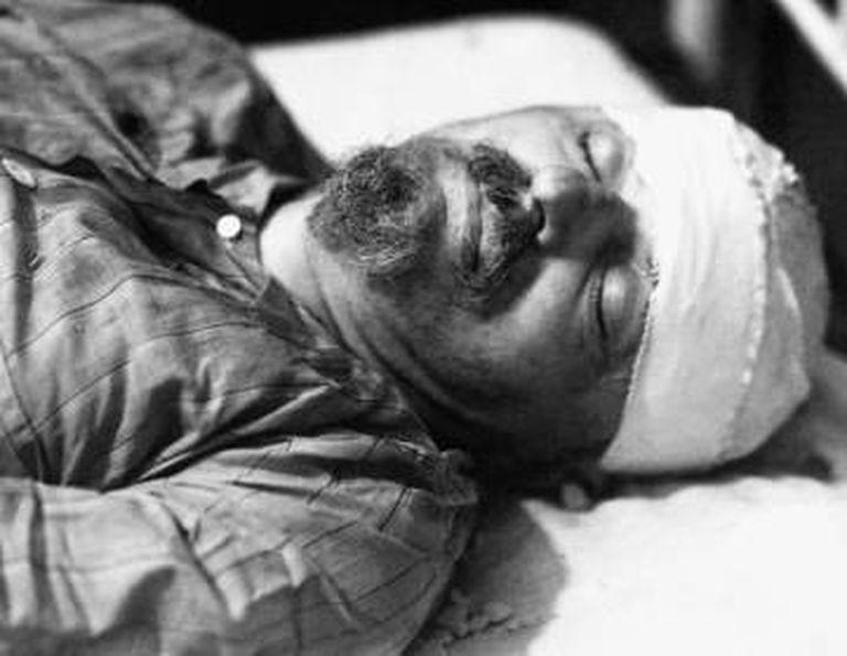 Trotski faleceu no hospital no dia seguinte ao ataque.