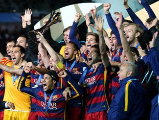 Jogadores do Barça comemoram mundial.