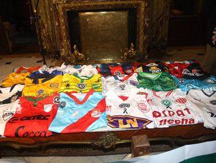 A coleção de camisas que será trazida ao Brasil.