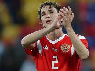 Mário Fernandes em amistoso da Rússia antes da Copa.