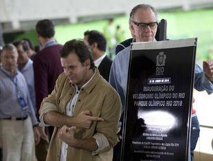 Eduardo Paes no velódromo, última arena olímpica inaugurada.