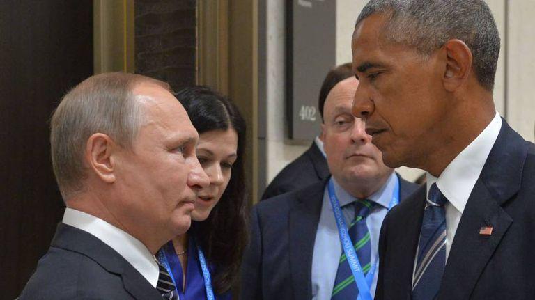 Vladimir Putin e Barack Obama durante o encontro dos líderes do G20 em 5 de setembro de 2016: aumenta a tensão entre os países.