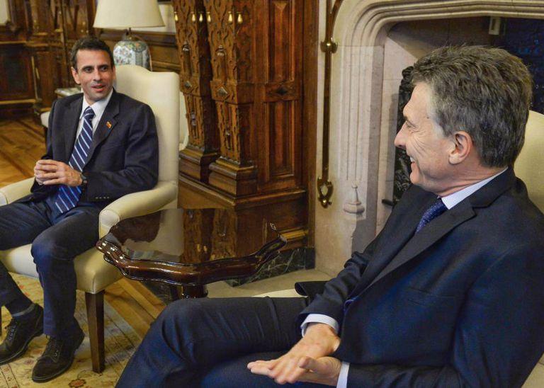 Mauricio Macri recebe Henrique Capriles na Casa Rosada