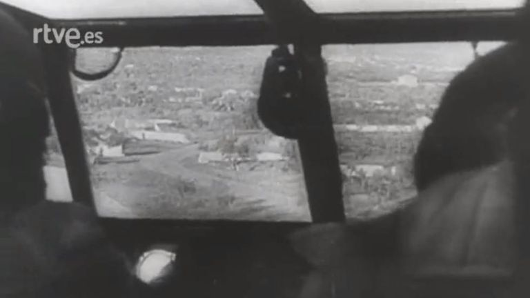 Fotograma do cinejornal NO-DO 53 B, de 3 de janeiro de 1944, da reportagem alemã com música de Wagner