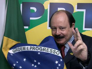 O candidato Levy Fidelix.