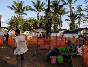 Centro de tratamento do Médicos Sem Fronteiras nas República Democrática do Congo.