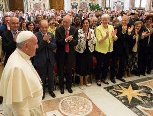 Papa Francisco em encontro na Cidade do Vaticano.