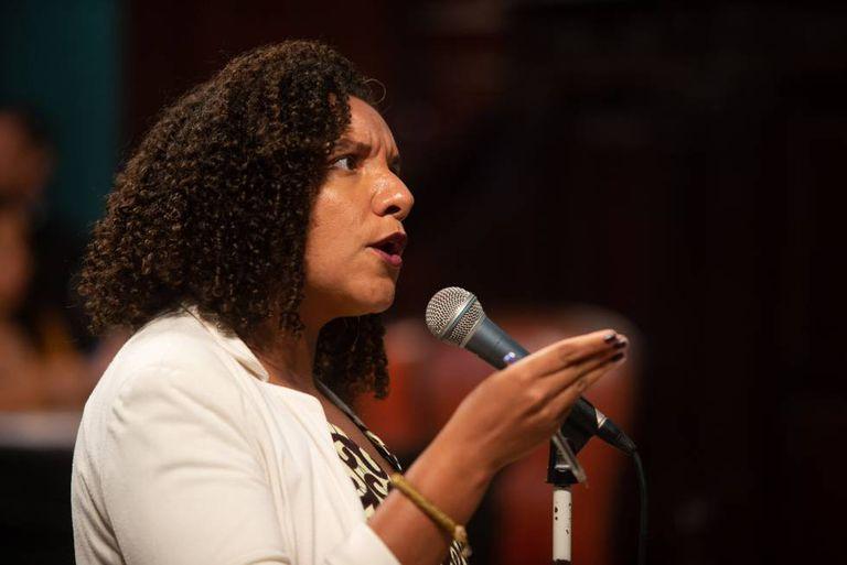 Renata Souza discursa no plenário da ALERJ, nesta quarta-feira.